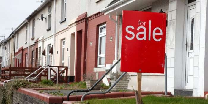 Slight pick-up' in August house prices